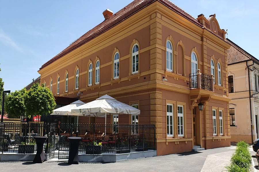 Vila Pohorje Slovenj Gradec - letni vrt